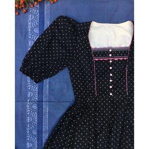 Vintage Dresses - Vintage Midi Dirndl Austrian Dress